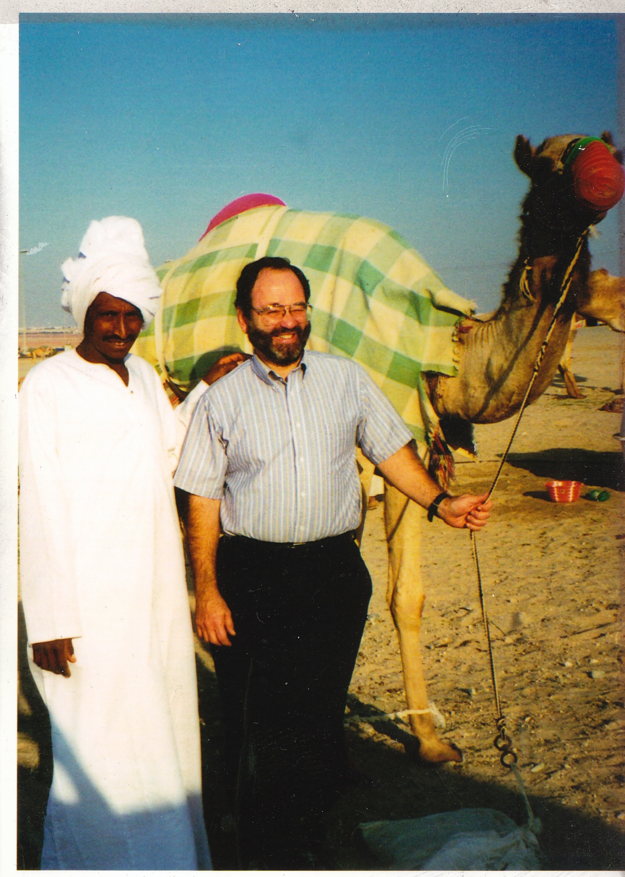 2. Kroll in the Arabian desert between Abu Dhabi and Dubai,2001
